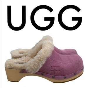 UGG PINK SUEDE CLOGS SIZE 5
